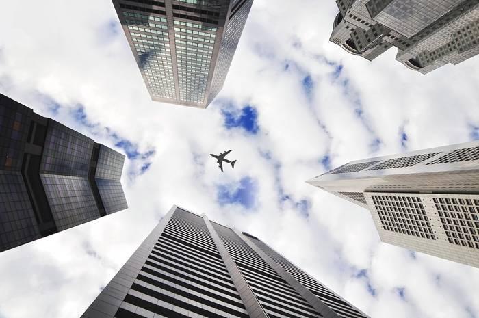 Odszkodowanie za opóźniony lot – jak je uzyskać, kiedy przysługuje, wysokość rekompensaty